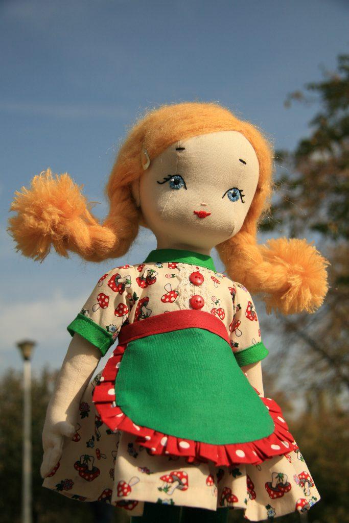 papusi handmade papusile De vorba cu Alexandra Pupa si papusile sale dulci papusi handmade 1 e1460966377866