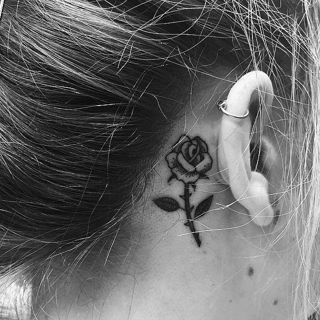 tatuaj tatuaje 20 de tatuaje mici pe care le vei adora Rosy Glow