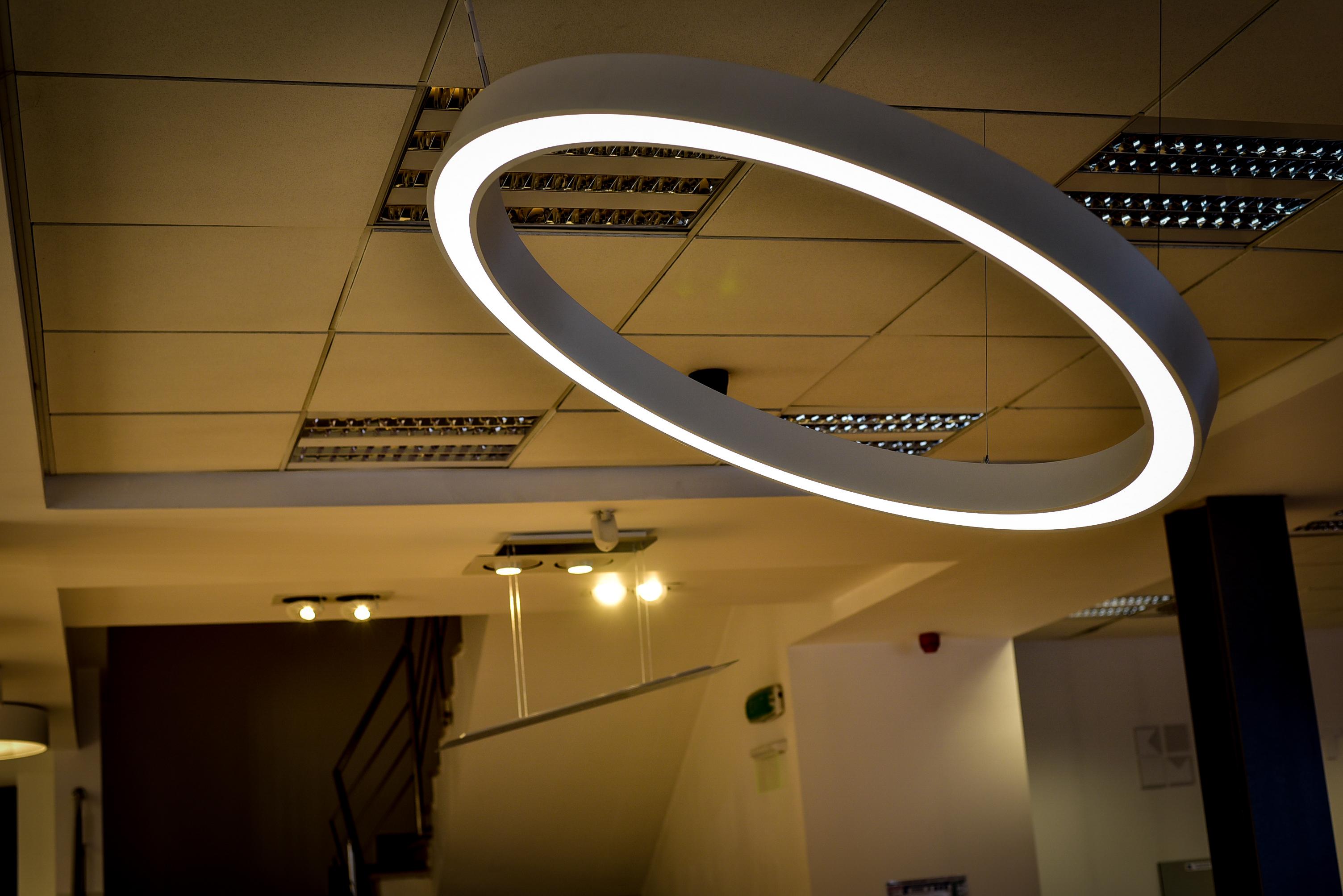 VEM 3 vem VEM Proiect Lighting ne lumineaza pentru a fi eficienti VEM 3