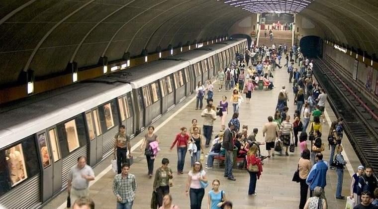 Sursă foto: cetateanul.net metrou Iarna pe uliță, la metrou sau în stațiile RATB metrou1