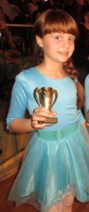 Alexia Mirițescu, copilul pentru care arta este a doua natură Alexia dans