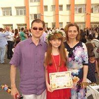 Alexia Mirițescu, copilul pentru care arta este a doua natură Alexia si parintii