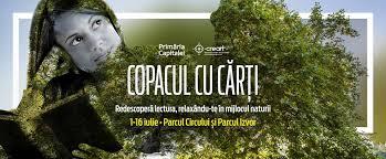 Citești și vezi filme în aer liber la București Copacul cu carti