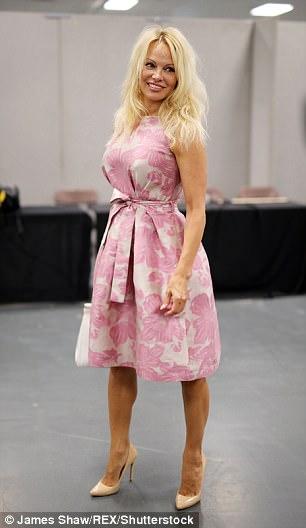Pamela Anderson, atracția Festivalului Comic Con de la Londra Pamela Anderson la Comic Con