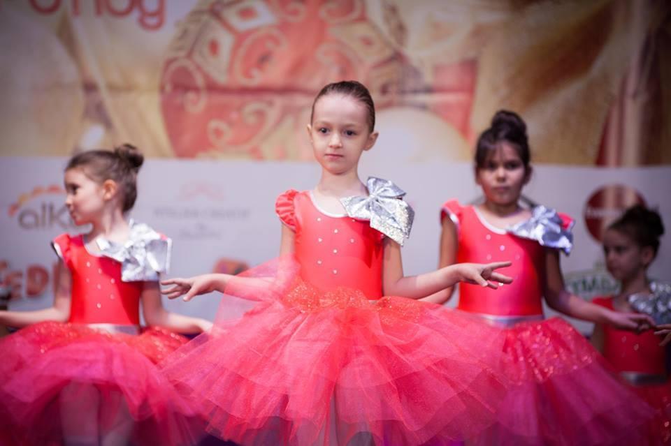 Rebecca Stoica, fetița pasionată de cunoaștere Rebecca balet