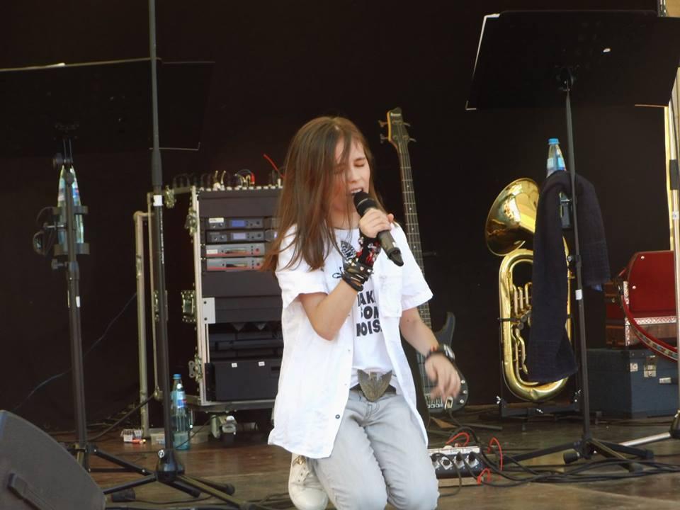 Theo Andrei Constantin, talent și charismă la superlativ Theo concert Germania