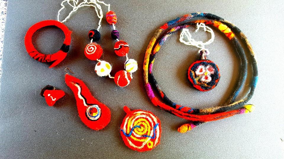 Liliana Dobre și minunile artei lânăritului Accesorii din lana