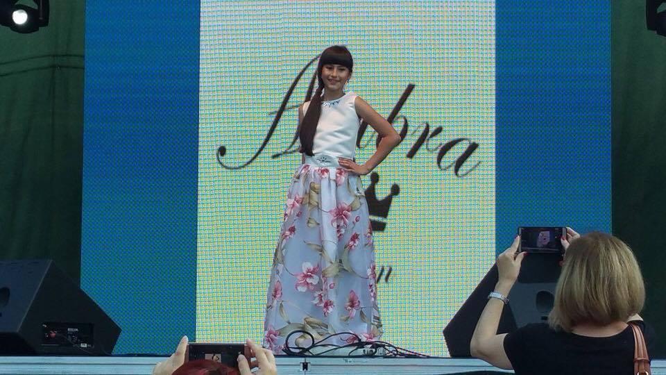 Andra Raisa Dinu, născută să fie stea pe scenă Andra Raisa Ambra Design