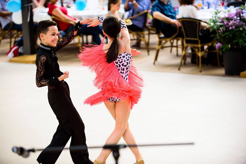 Andrei Ciobanu, micul mare dansator Andrei dansand