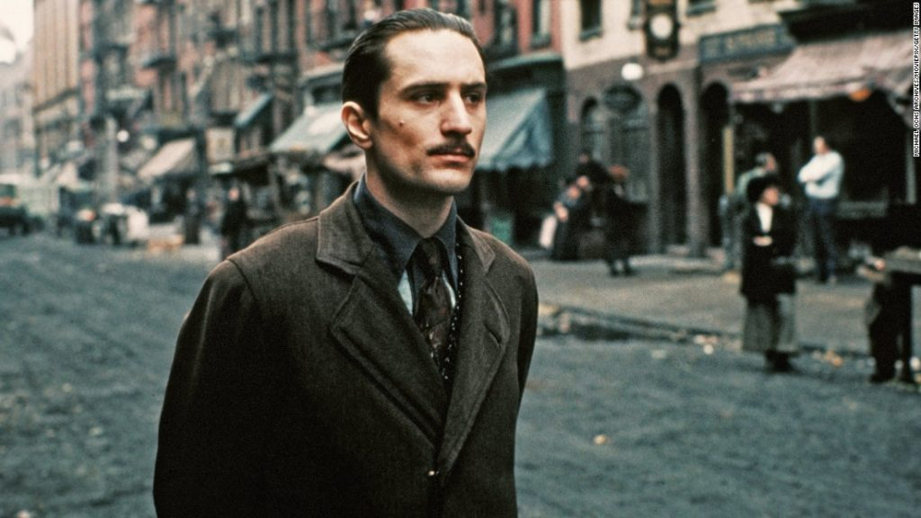 Robert De Niro, inegalabil și irepetabil, a împlinit 74 de ani De Niro Nasul