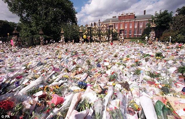 Viața, suferința și moartea Prințesei Diana Omagiu la moartea Printesei Diana