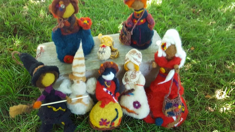 Liliana Dobre și minunile artei lânăritului Papusi din lana
