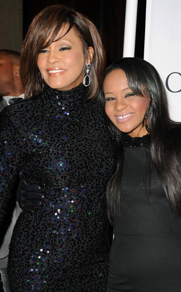 Whitney Houston ar fi împlinit, astăzi, 54 de ani Whitney si Kristina