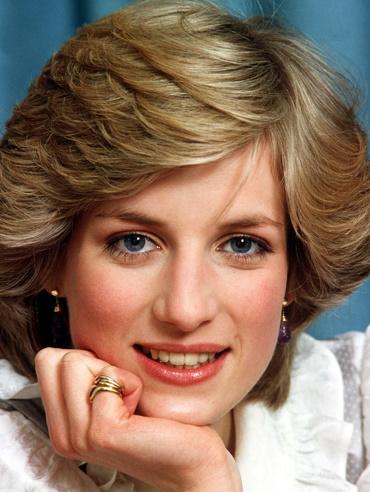 Viața, suferința și moartea Prințesei Diana printesa diana tanara