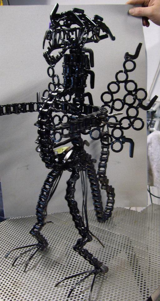 Nicolae Iancovici transformă deșeurile metalice în artă Dragon 1