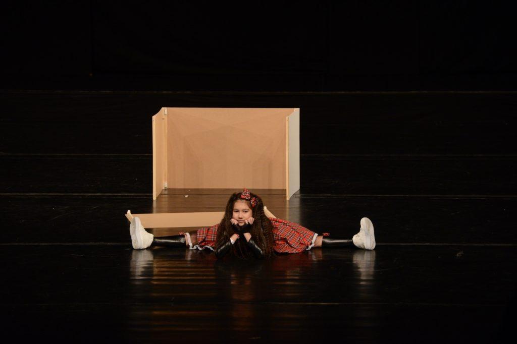 Larisa Albu, frumusețe și talent la 11 ani Larisa Albu dans
