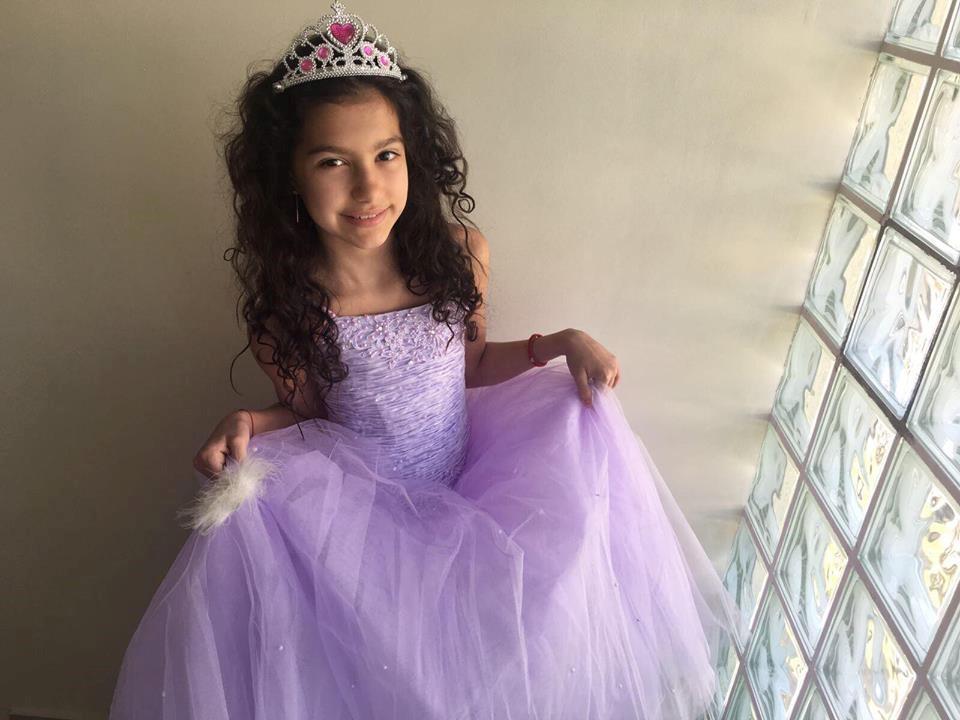 Larisa Albu, frumusețe și talent la 11 ani Larisa Miss