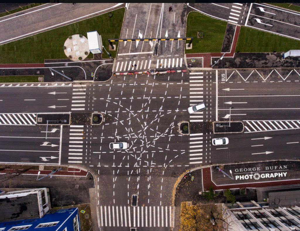 Elevi vs specialiști sau Trecere de pietoni 3D vs intersecția din Timișoara Intersectie timisoara