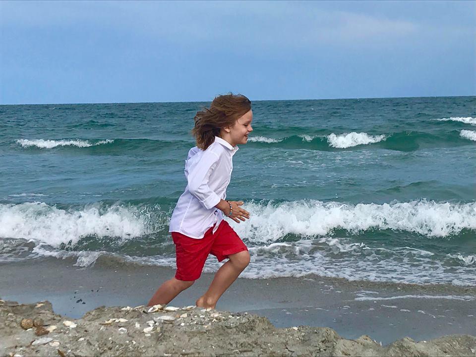 David Dobrincu, băiețelul talentat și frumos din reclame Cover