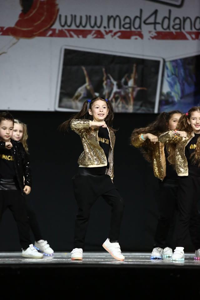 Izabela - Concurs de dans  Izabela Ilie, talent și eleganță la doar 9 ani Dans Isabela
