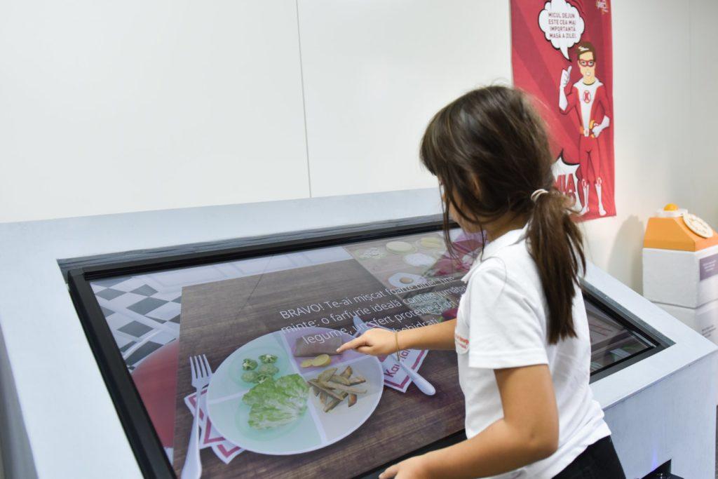 Akademia Kinderland și-a deschis porțile pentru copii Demonstratie interactiva