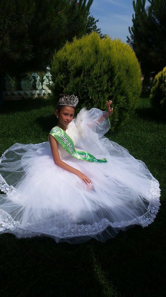 Izabela Little Miss Planet România  Izabela Ilie, talent și eleganță la doar 9 ani Isabela miss