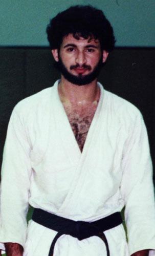Osama bin Laden, omul din spatele teroristului (II) tanar