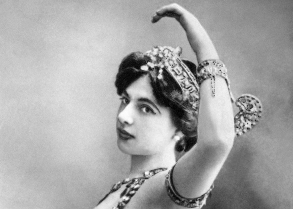 Mata Hari, povestea faimoasei curtezane de la a cărei execuție se împlinesc 101 ani (V) Mata Cover