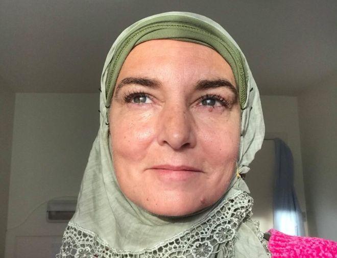 Sinnead O'Connor s-a convertit la islam Shuhada Davitt
