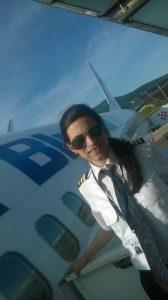 Beatrice Filip - ziarista care și-a schimbat cariera și acum este pilot al unei mari companii de zbor din Emiratele Arabe 11230591 10207012151242637 2672290185365085833 n