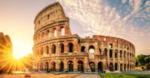 Cânți azi, 11 aprilie, la KARAOKE în FOREVER YOUNG, singurul club dedicat fetelor și câștigi o vacanță la ROMA! Roma aventurescu 3