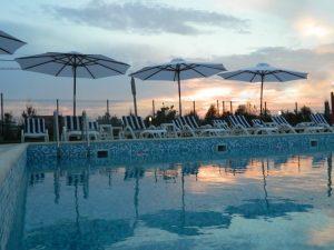 Pensiunea SARA din Vama Veche, cea mai apropiată de discoteca ACOLO, a dat startul sezonului estival 2019 b romania vama veche pensiunevila sara 174564