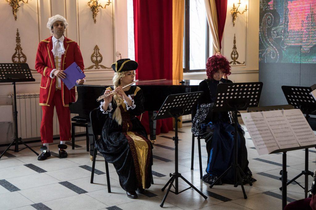 """Primăvara cu Mozart la Opera Comică pentru Copii:  ,,Răpirea din Serai"""" și ,,Viața lui Mozart"""" Viata lui Mozart"""