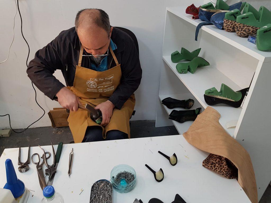 Totul despre povestea brandului de încălțăminte al vedetelor: Guell Shoes, cel care a detronat mulți creatori de încălțăminte WhatsApp Image 2019 02 05 at 12 41 592